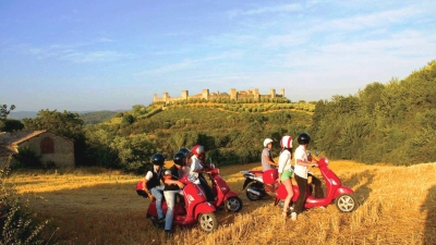 Ride a Vespa in the Chiantishire and Wine Tasting