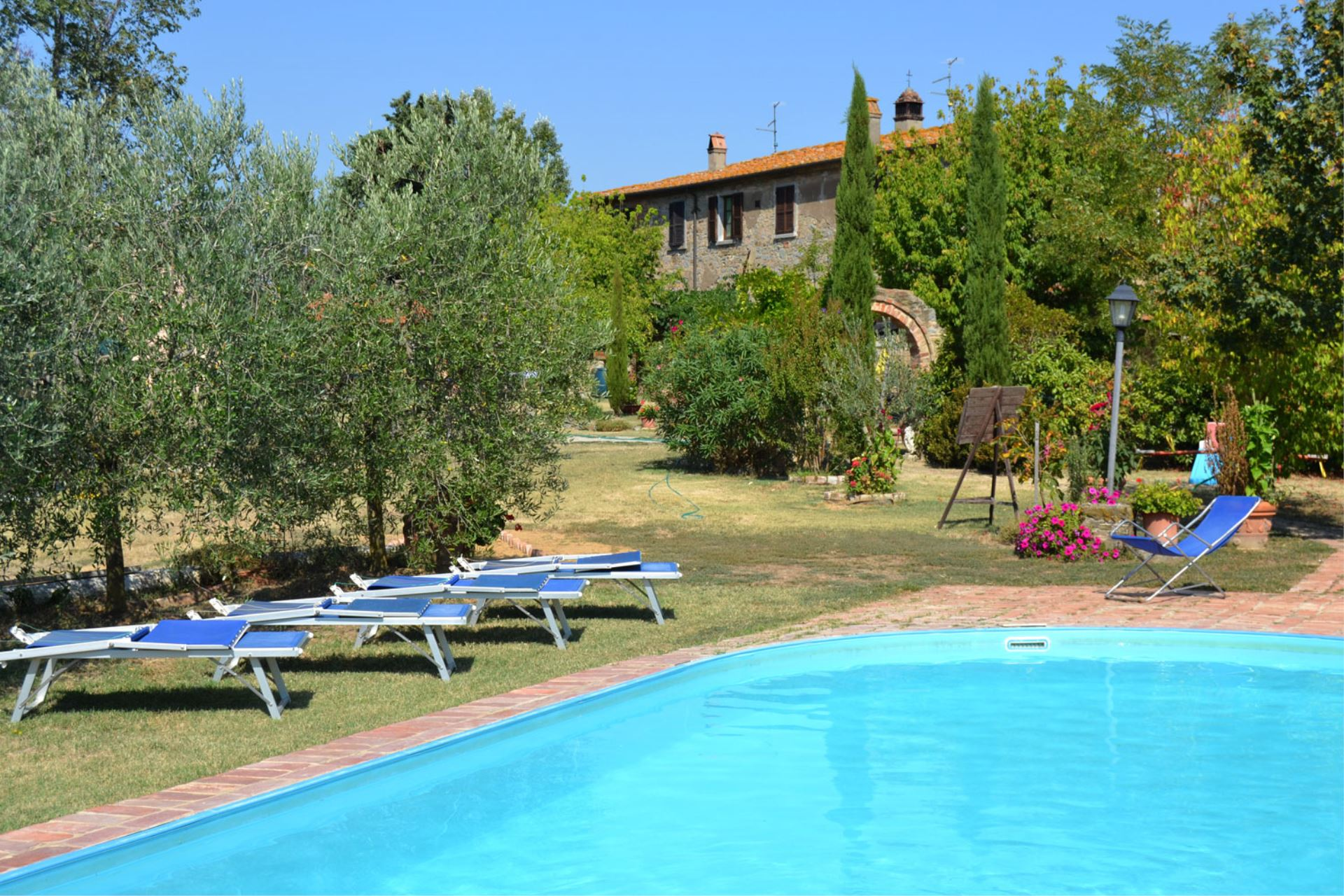 APARTMENTS WITH POOL LA GABOLINA CORTONA TOSCANA