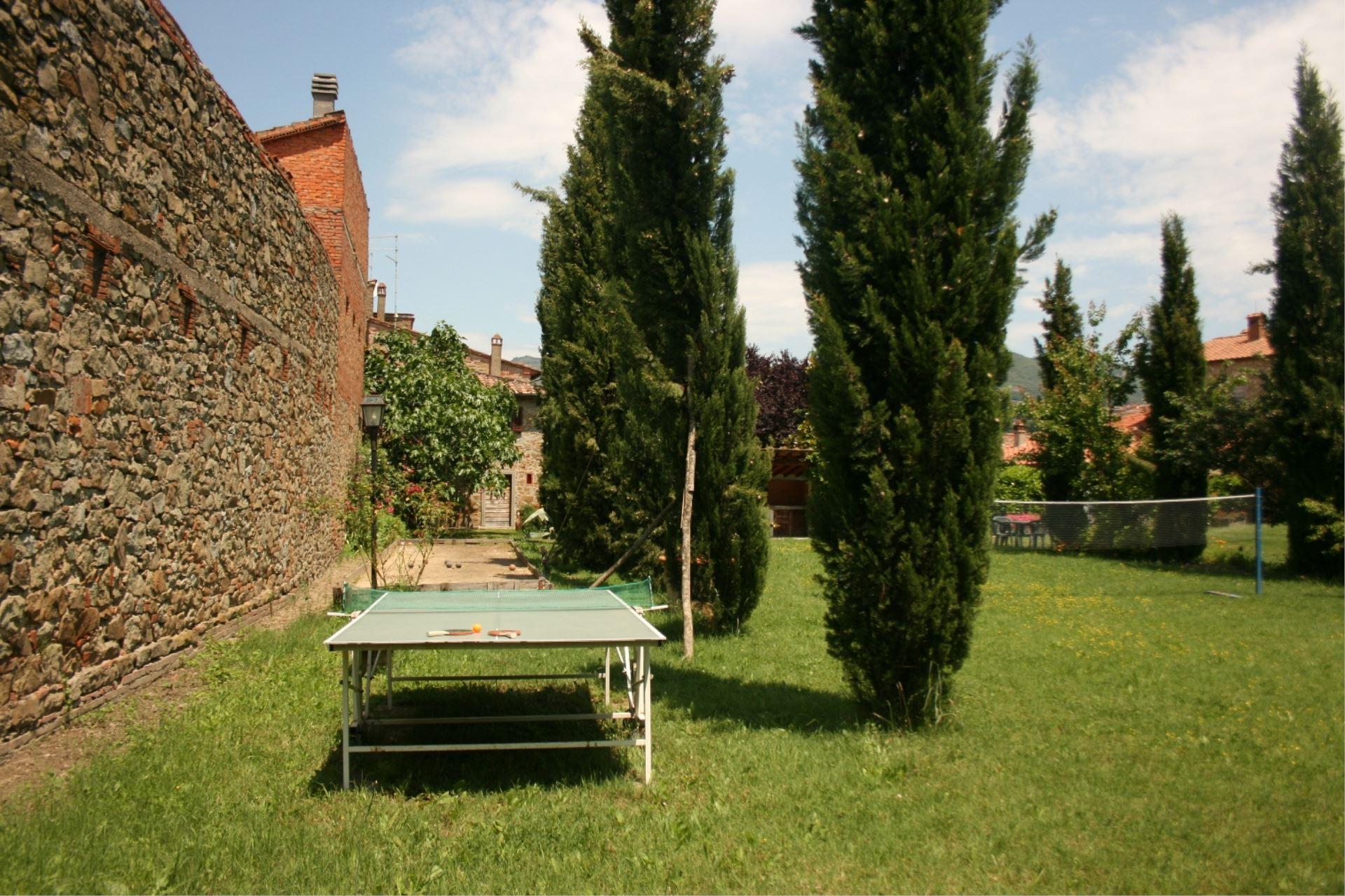 APARTMENTS WITH POOL IL PESCO CASTIGLION FIORENTINO TOSCANA