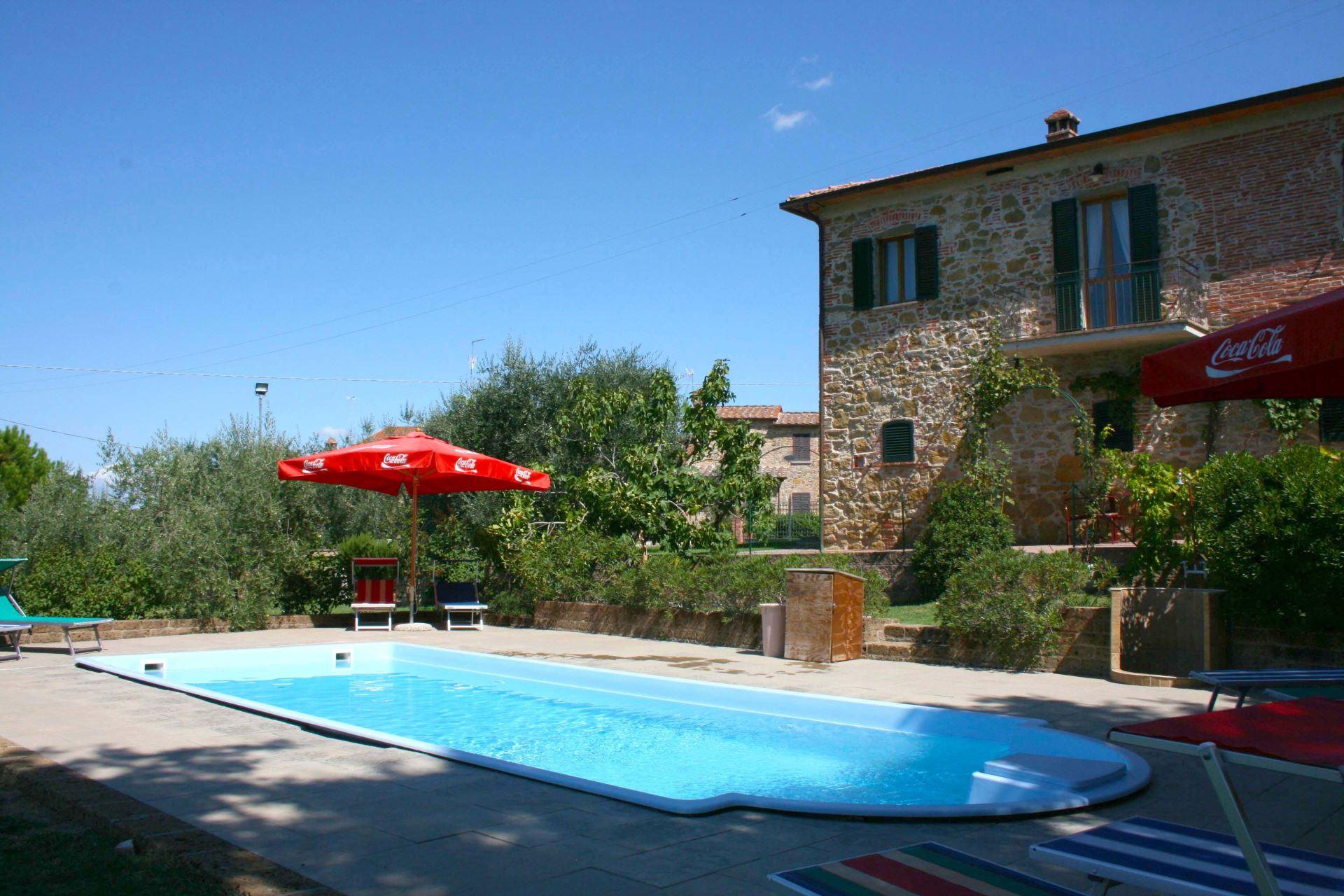 casa felice sleeps 10 walk to town villa tuscany