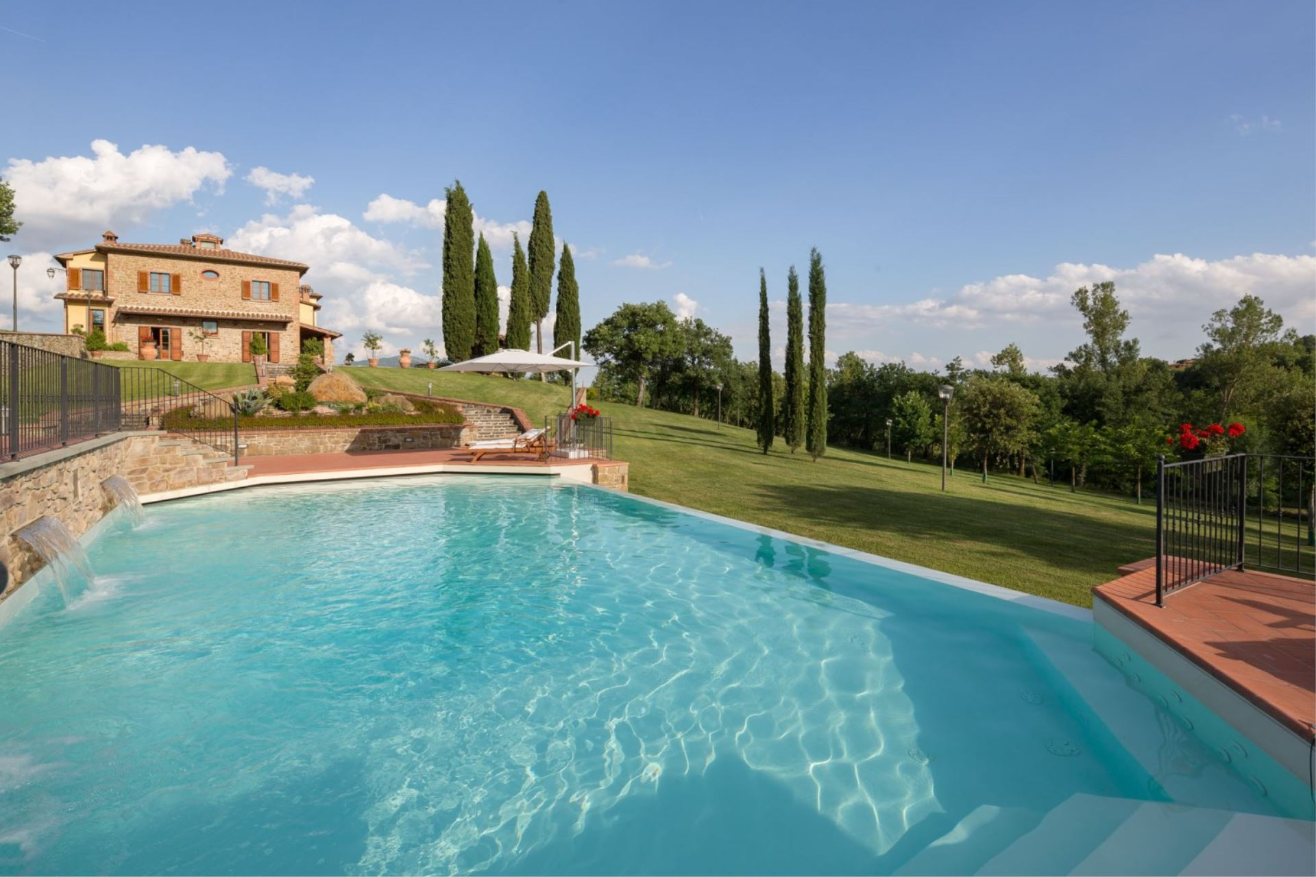 APPARTEMENTS AVEC PISCINE EMERALD AREZZO TOSCANA
