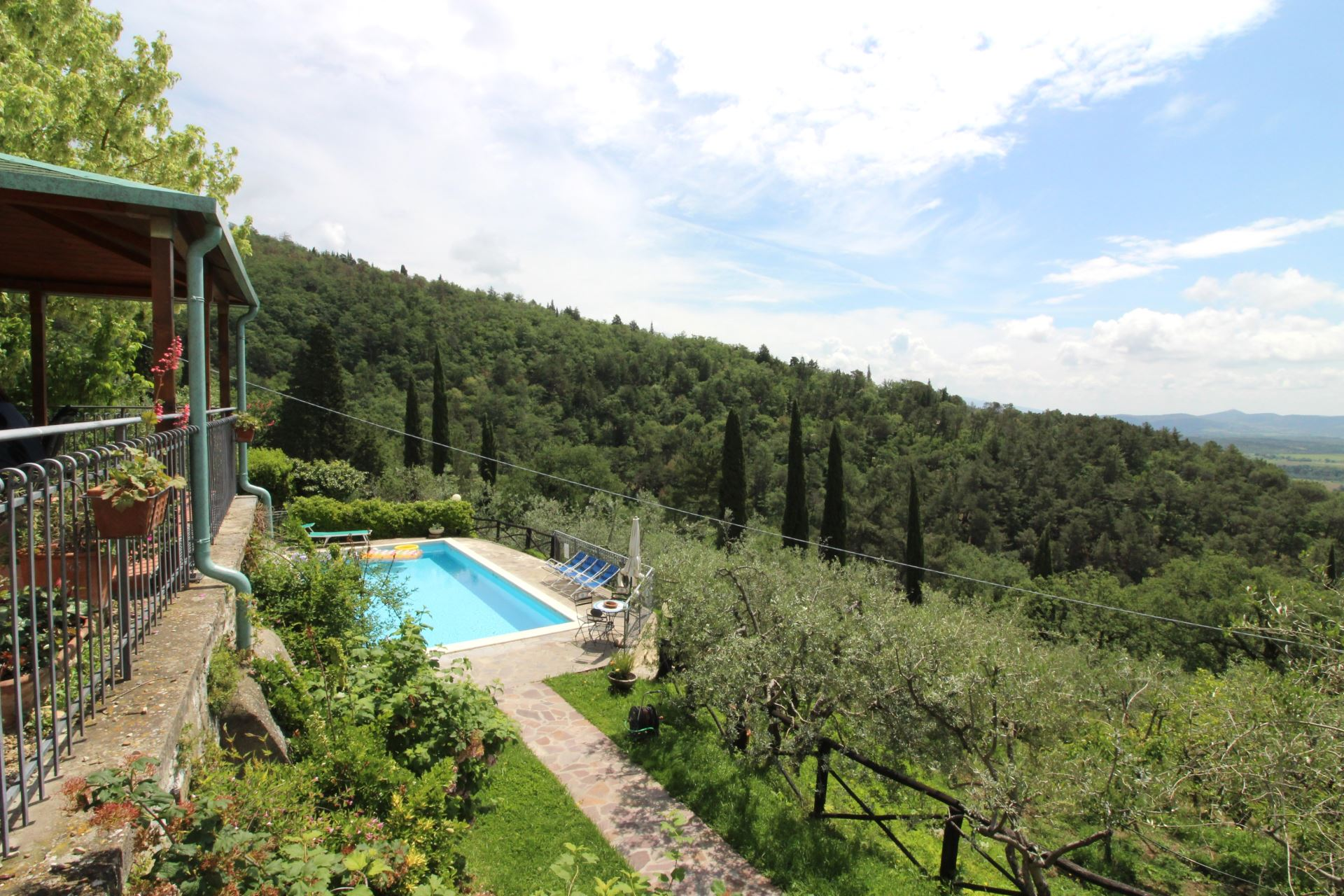 VILLAS WITH POOL ARCOBALENO 4 LORO CIUFFENNA TOSCANA