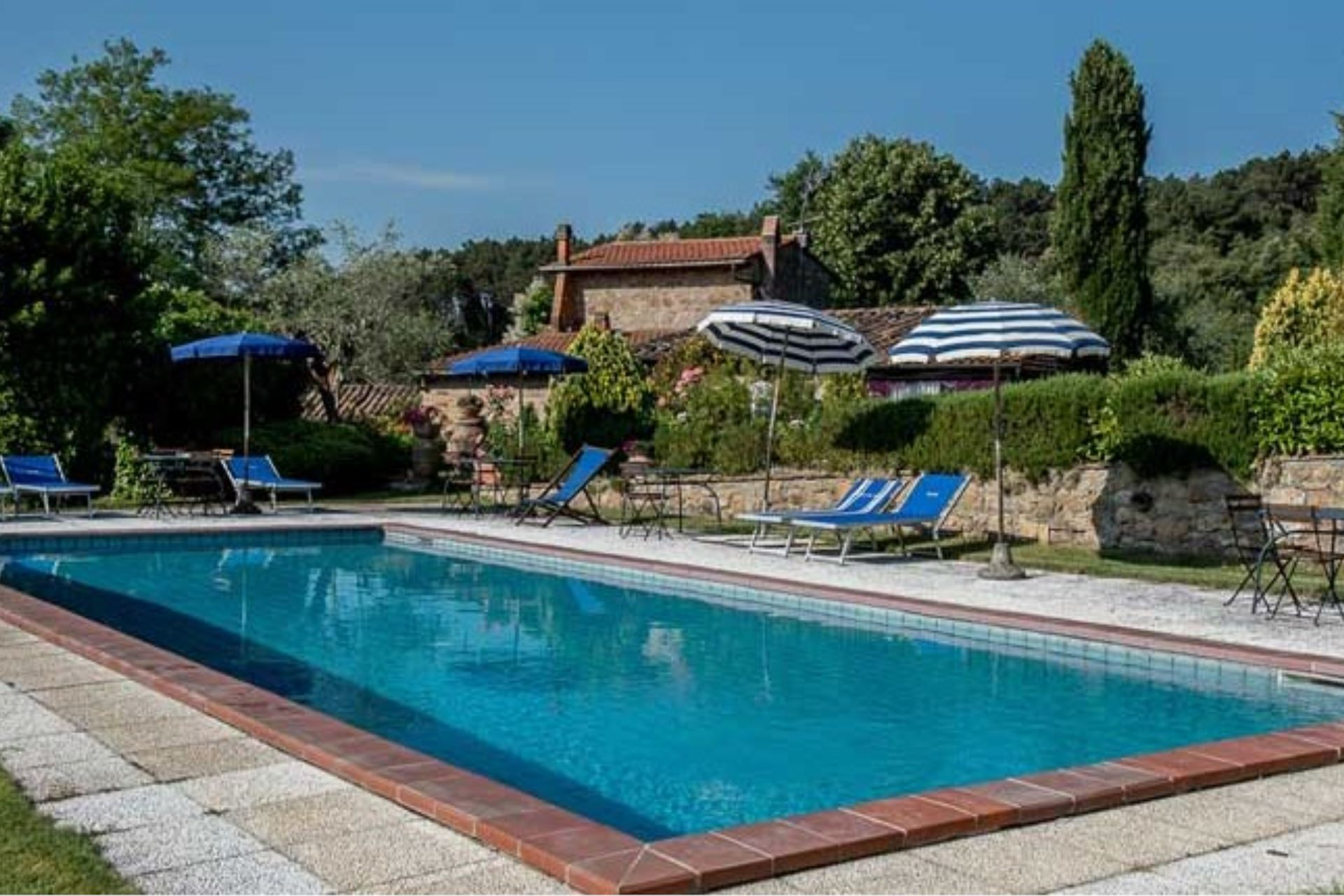 APARTMENTS WITH POOL IL FOCOLARE TREQUANDA TOSCANA