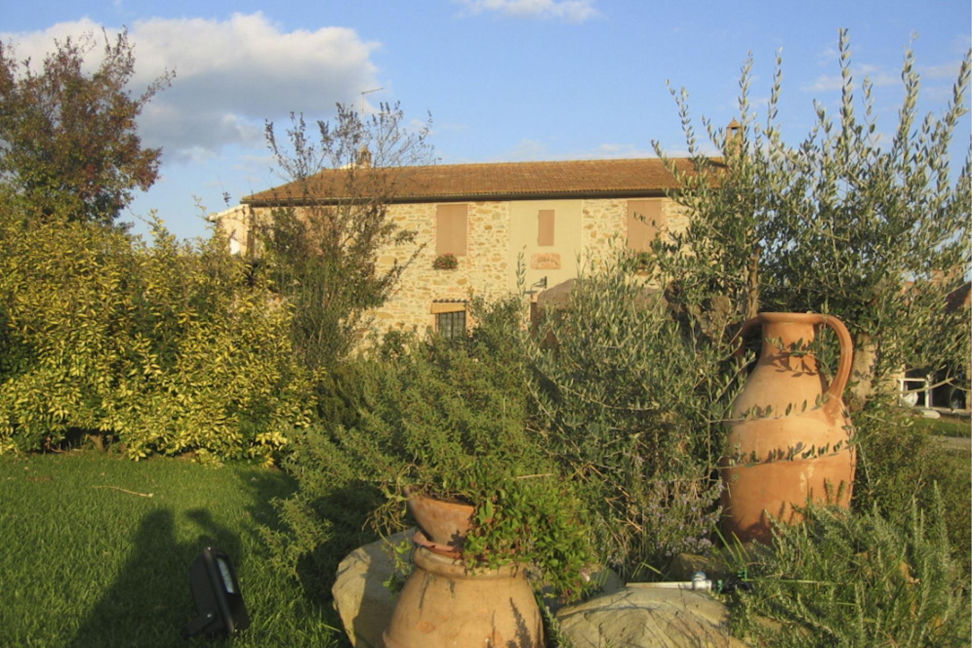 VILLAS WITH POOL CASALE DELLE TRAVI MAGLIANO IN TOSCANA TOSCANA