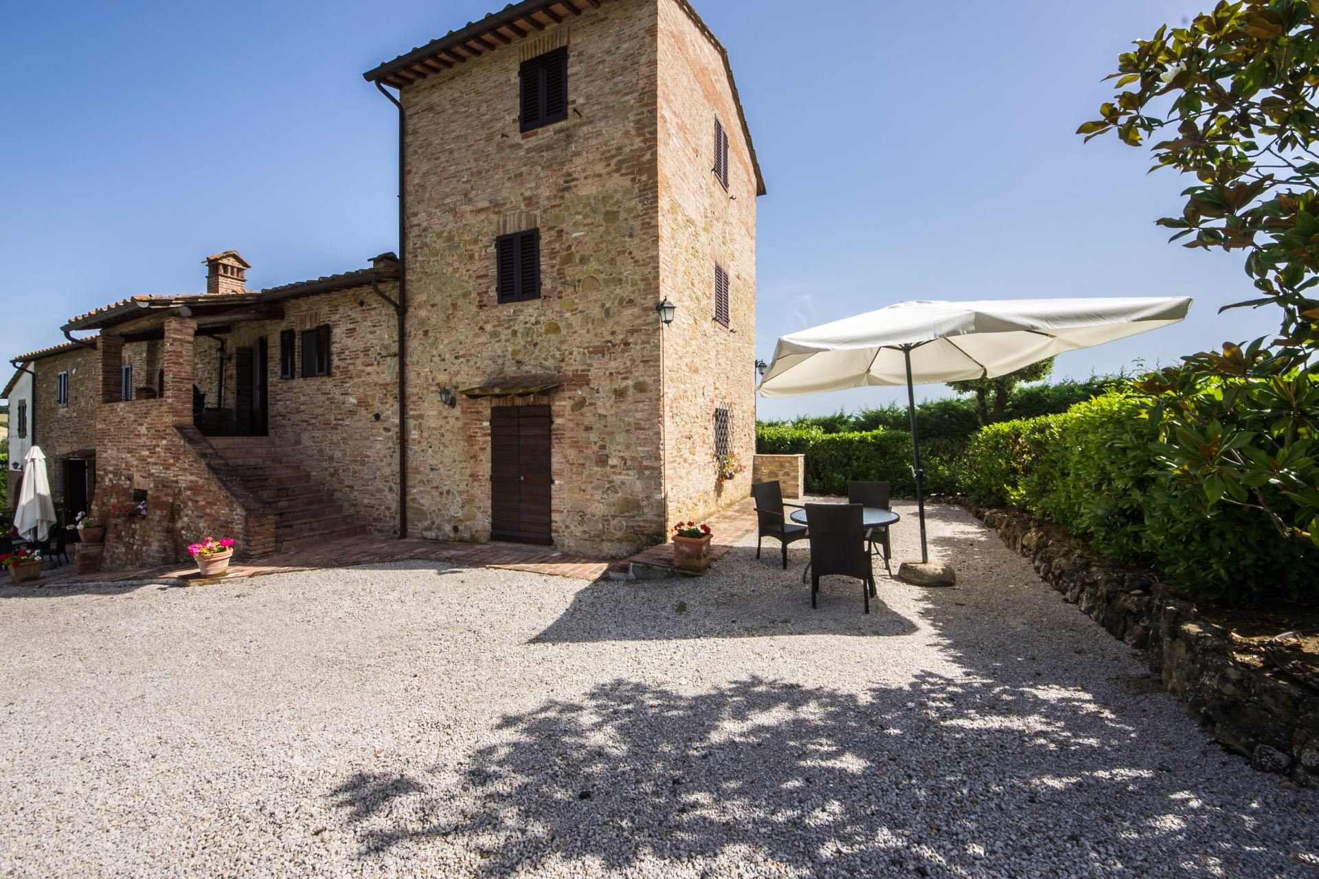 APARTMENTS WITH POOL BOCCACCIO GAMBASSI TERME TOSCANA