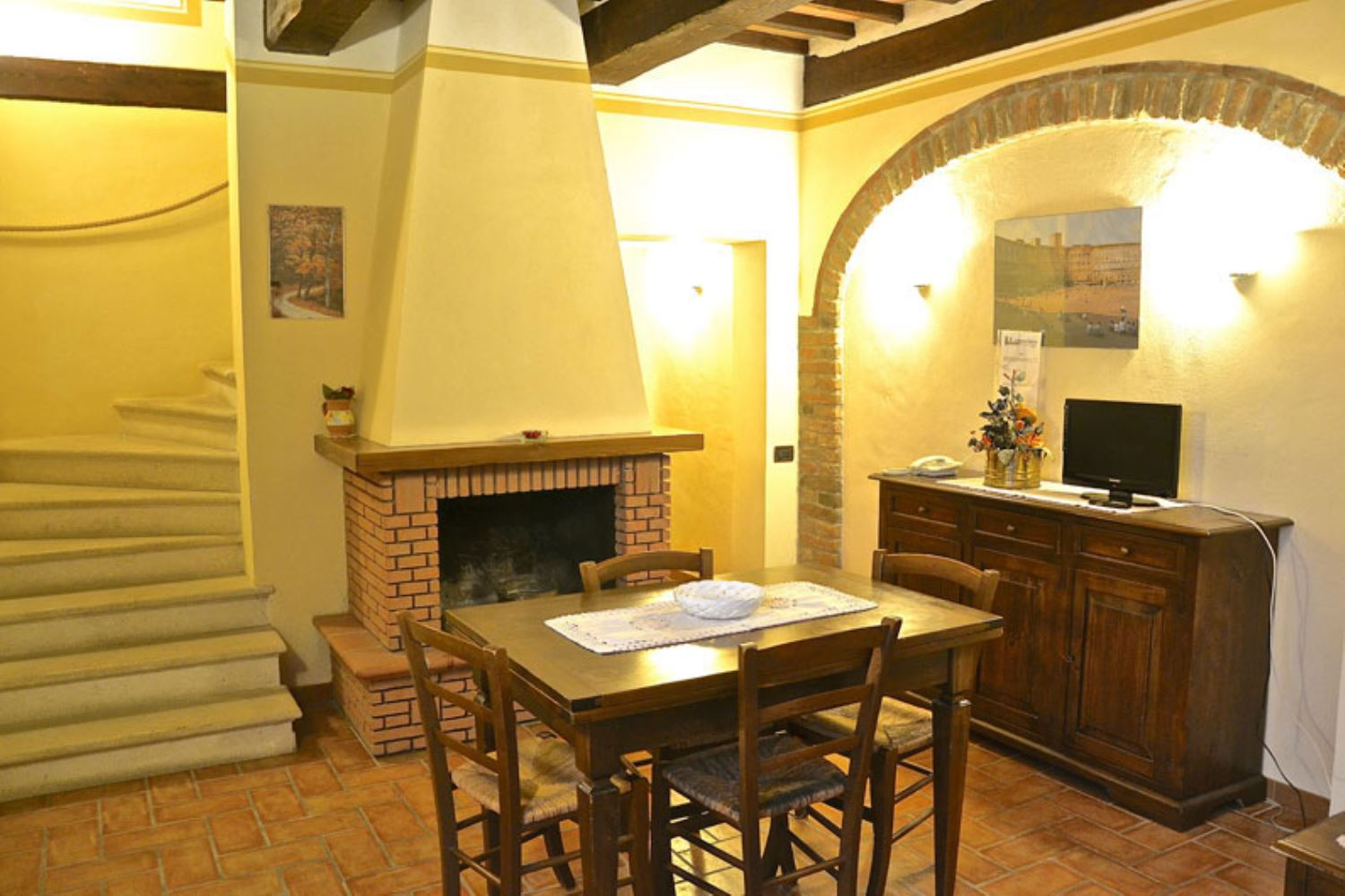 APARTMENTS WITH POOL CIPRESSO MONTEPULCIANO TOSCANA